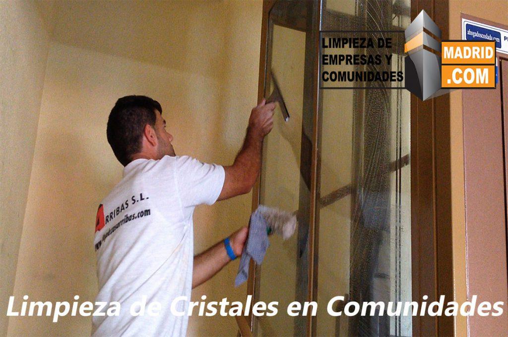 Limpieza de Cristales en Comunidades